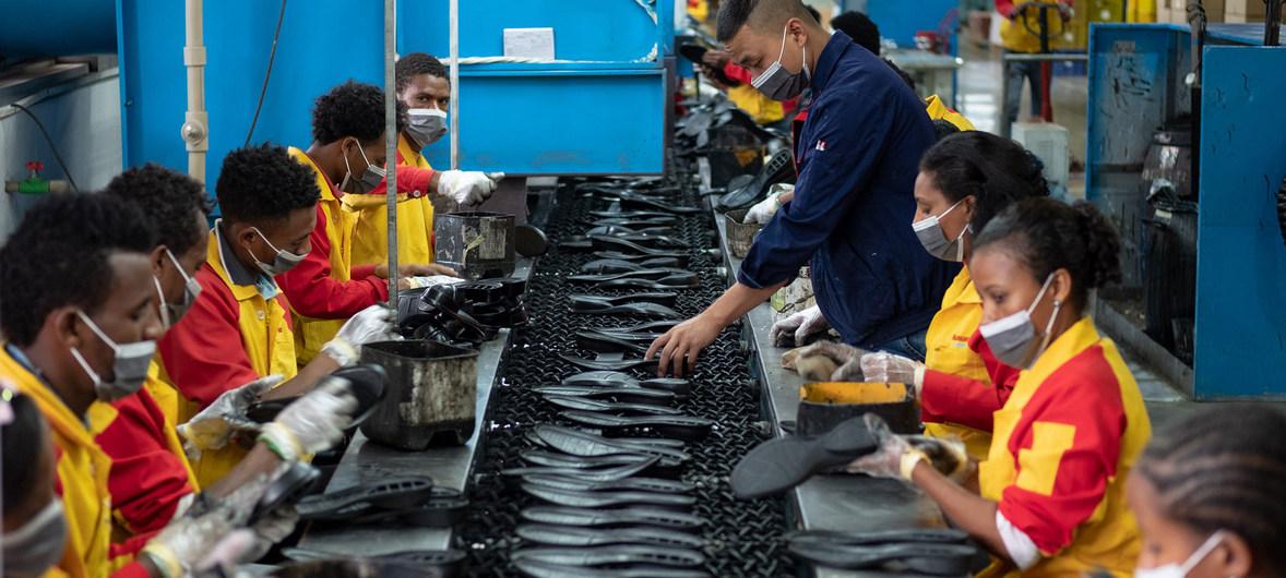 Η πανδημία στους χώρους εργασίας: «Ατομική ευθύνη» για τους εργαζομένους, ανεύθυνοι κράτος και εργοδότες
